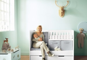 11-Fantastic-Baby-Nursery-Design-Ideas-by-Vertbaudet-Bright-Blue-Wall