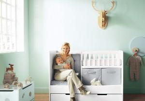 11-Fantastic-Baby-Nursery-Design-Ideas-by-Vertbaudet-Bright-Blue-Wall